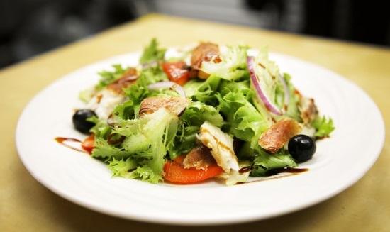 Салат с копчёной масляной рыбой