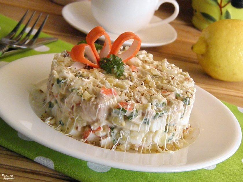 """Салат из печени трески """"Нежный"""" - рецепт"""