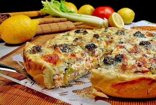 Пирог с семгой и капустой брокколи