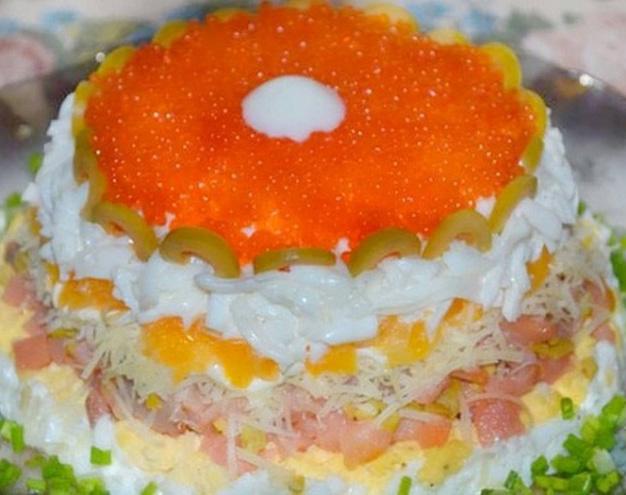 Рецепт - Салат с сёмгой, красной икрой и апельсинами