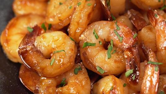 Креветки в чесночно-имбирном соусе (на сковороде)
